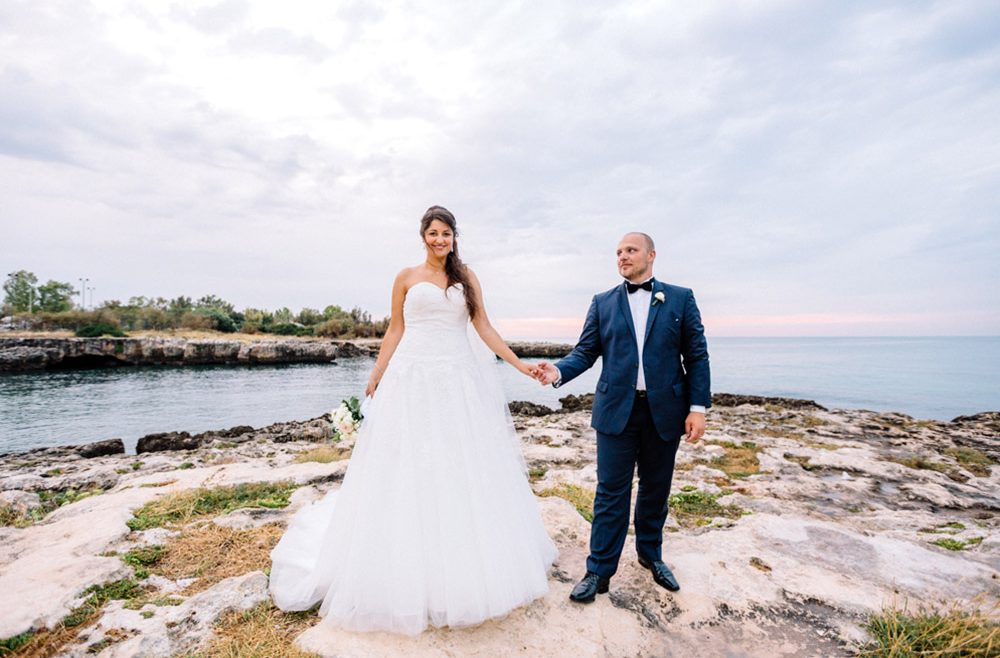 Une séance Engagement et un mariage de rêve dans les Pouilles en Italie